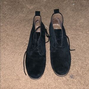 Genuine leather White Mountain cute black booties